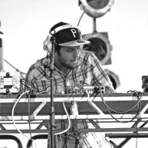 """Artifakts vs. Trinidad James – """"Upside Down Everything"""" (FREE DL!) [Hip-Hop//Mash-up]"""