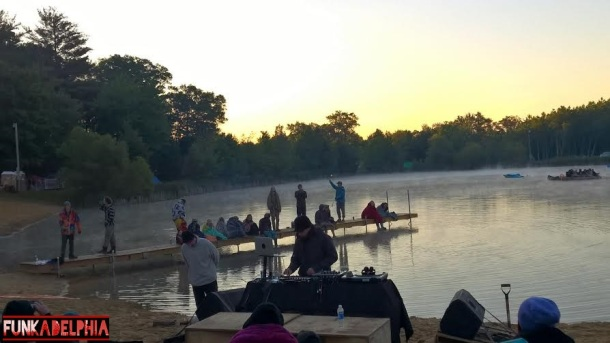 Tipper, Downtempo Sunrise Set (Mendi's Beach)